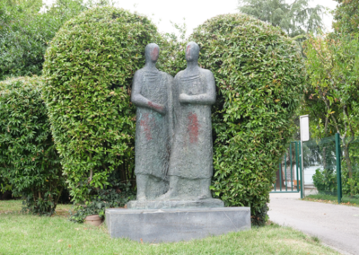 Statues008
